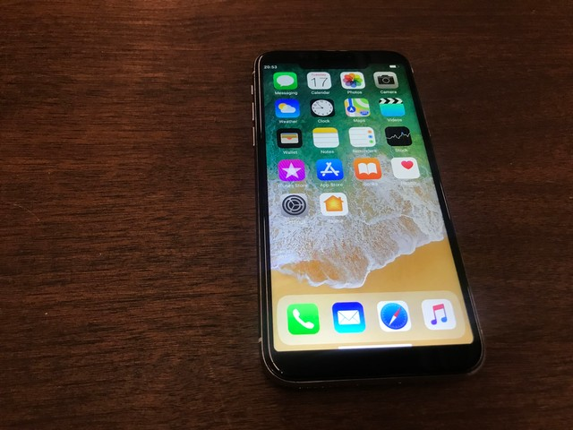 Review: A Counterfeit, $100 iPhone X - VICE