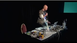 Michael Laufer stellt das MicroLab vor.