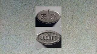 1533899607657-Graue-Bugatti