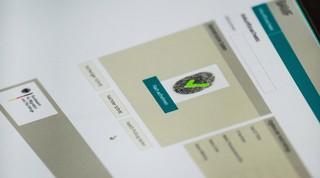 Bildschirm mit Fingerabdruck