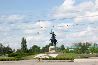 ruiterstandbeeld-vakantie-Tiraspol