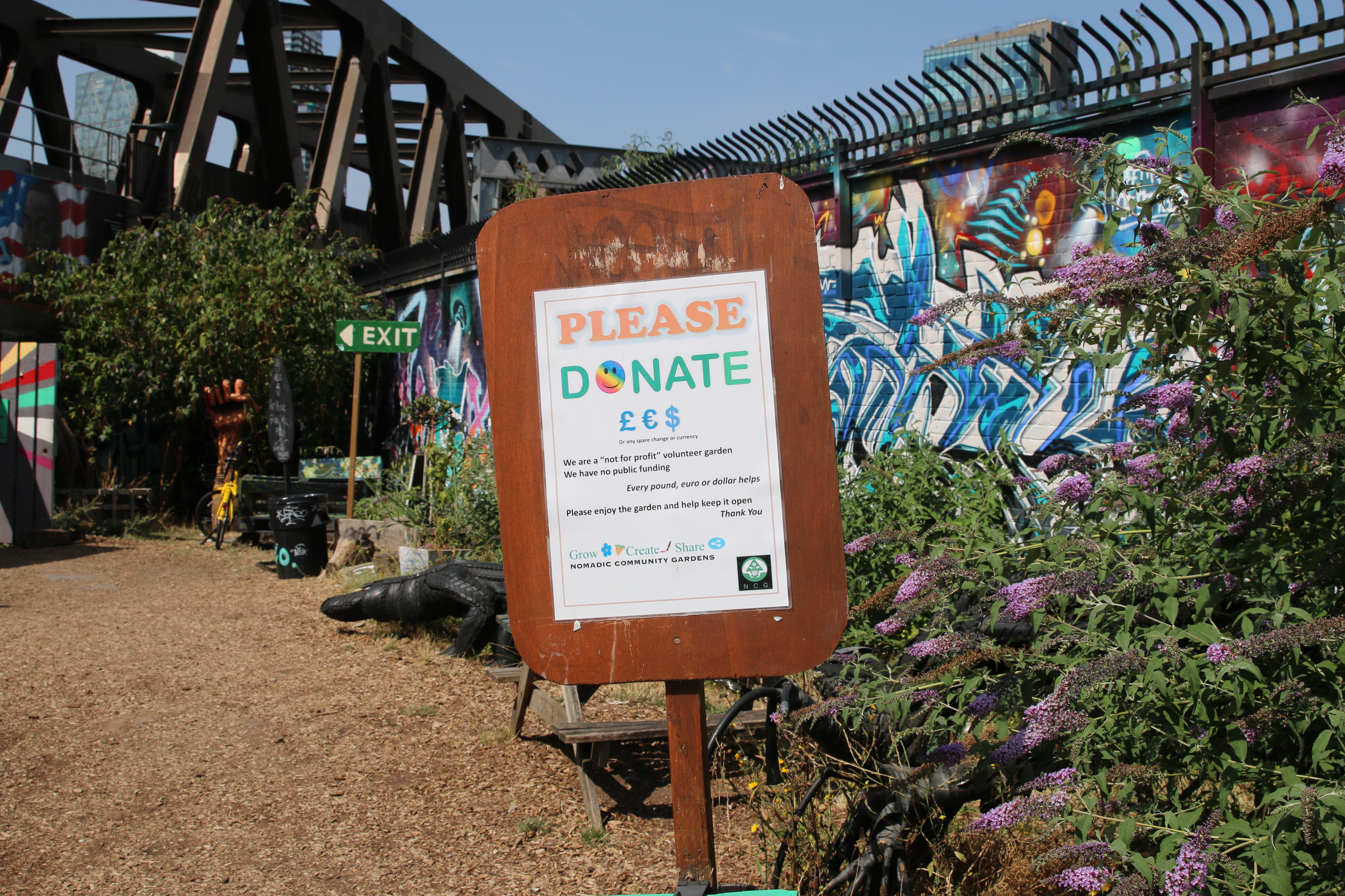 How a Derelict Space in London Became a Community Garden and Cafe - VICE