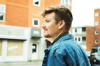 Et billede af Anders på gaden i København