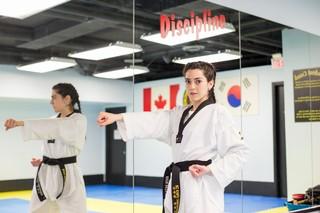 Alia-Youssef-the-sisters-project-moslim-vrouw-gevechtssport-kimono