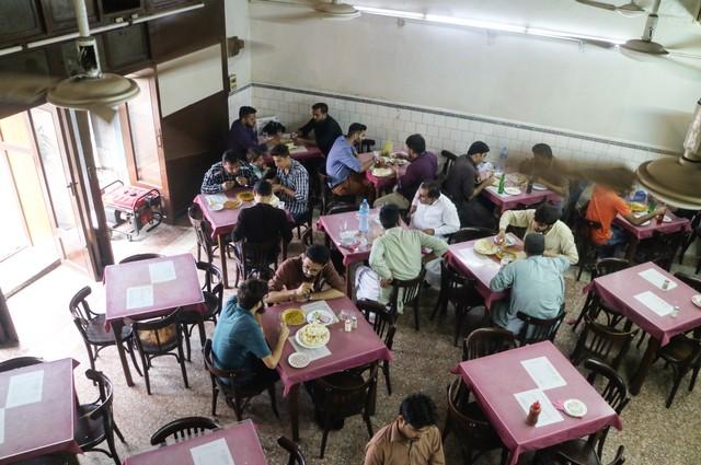 Inside Karachi's Disappearing Irani Cafes - VICE