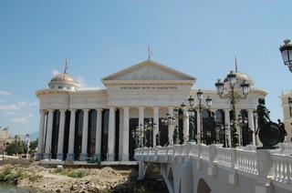 1537887744024-Statues-Styrofoam-Skopje-2
