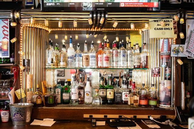 Mike's Chili Parlor Is the Best Bar in Seattle If You Love