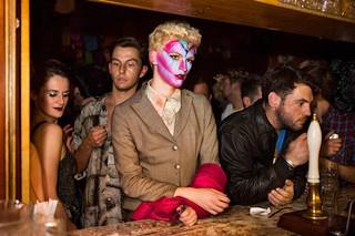 Thomas-Dhanens-Blush-Sink-the-Pink-londen-david-bowie