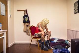 Thomas-Dhanens-Blush-Sink-the-Pink-londen-backstage