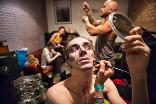 Thomas-Dhanens-Blush-Sink-the-Pink-londen-make-up
