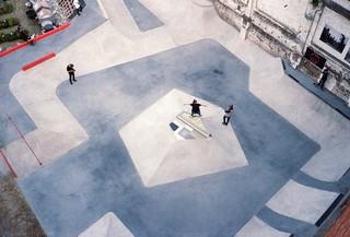 byrrrh-skatepark-brussel-skaters-grind-ledge-marmer
