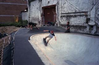 1539167454964-byrrrh-skatepark-brussel-diy-opbouw-skater