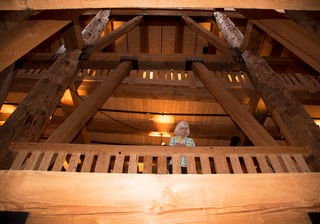 1539211672479-ark-encounter-interior