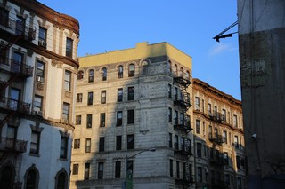 1539346421504-Broome-Street-Wikimedia-Commons