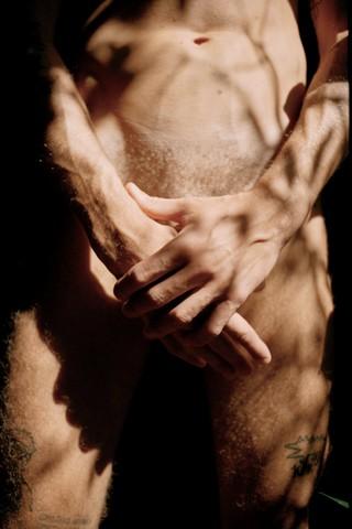 1539590589814-yufeng-yan-ragazzi-italiani-nudi-mascolinita-queer-luca1