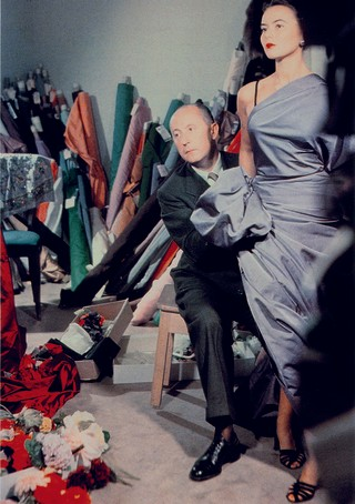 1539874506702-Christian-Dior-with-model-Sylvie-circa-1948-Courtesy-of-Christian-Dior