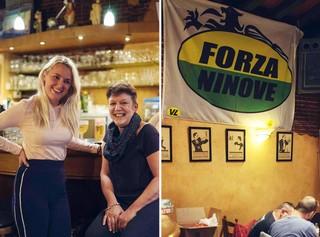 Julie en haar moeder Stania, politica bij Forza Ninove, in café de Beurs, waar ook een spandoek van Forza Ninove hangt.