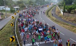 1540134410586-mexico-caravan