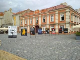galerie în piața unirii