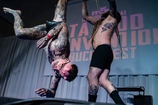 freak show la conventia tatuajelor