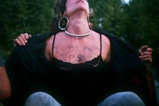 alessandro_vullo_punk_nomadi_saisonniers_outsiders_fotografi_giovani_creativi_25_01120