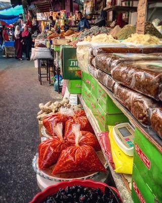 1540313413076-shatta-in-gaza-citys-zawiya-market