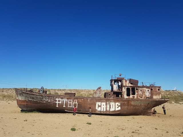 Stihia Festival We Went To A Techno Rave In An Abandoned Ship Graveyard In Uzbekistan Amuse