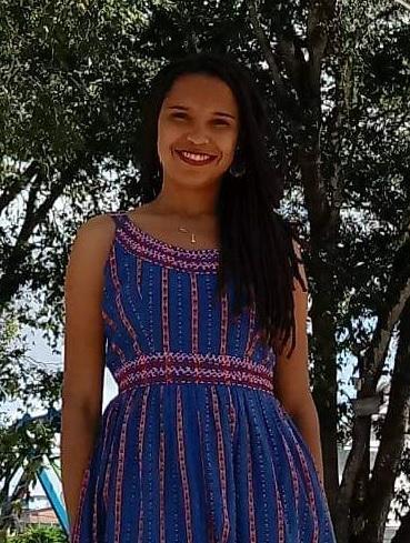 Viviane Silva, 27 anos