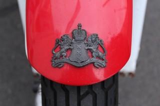 Het wapen van Amsterdam op de voorkant.