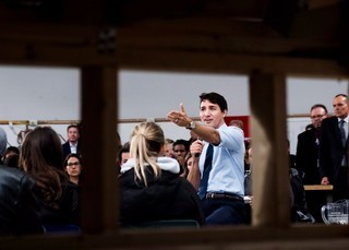 1540568128346-Trudeau-speaks-to-Humber-students-about-carbon-tax