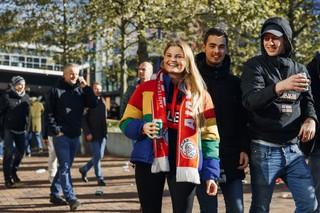 1540819223483-Vrouwelijke-Ajax-Supporters-19