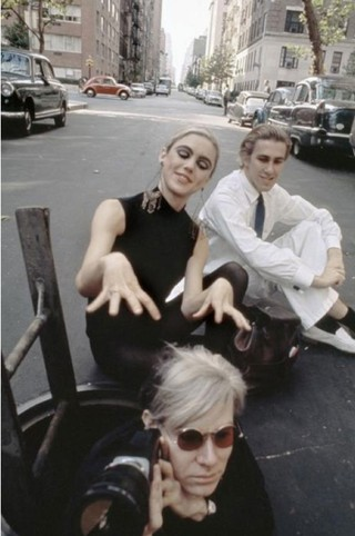 1541530160223-Edie_Sedgwick__Chuck_Wein_and_Andy_Warhol_Photo-session_by_Burt_Glinn_New_York_City__1965