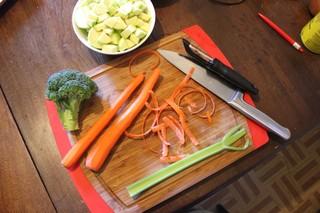 1541545185650-warhol_veggieschopped