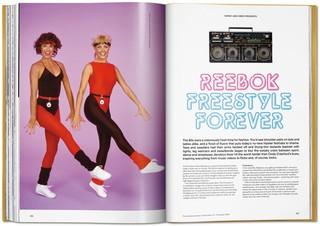 libro-fotografico-storia-sneakers-taschen