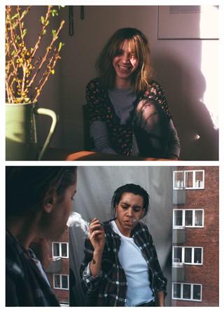 To billeder af Maja: Et hvor hun sidder og smiler på en stol, et, hvor hun står og ryger i skovmandsskjorte