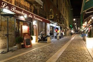 Lyon-Bouchons-France-3-of-6