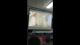 profesor porno en clase