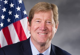 Jason Lewis official congressional portrait