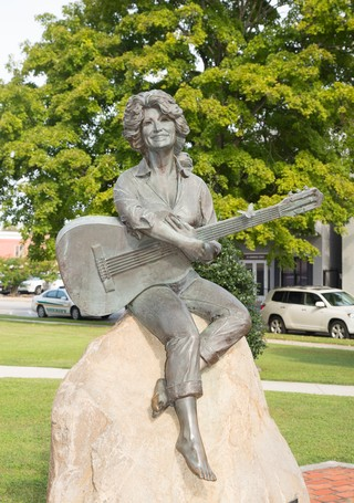A statue of Dolly Parton
