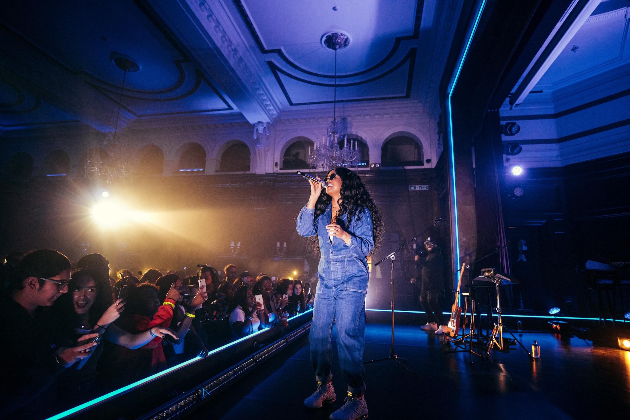 R&B musician H.E.R. in London in 2018