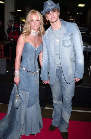 History-of-Denim-Britney-Spears-and-Justin-Timberlake-2001-MTV-VMAs