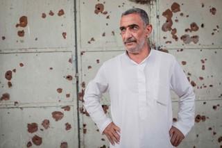 Abdulwahab Saleh Hamid kann kaum mehr hören, seit sein Haus während eines Luftangriffes im April 2017 zerstört wurde