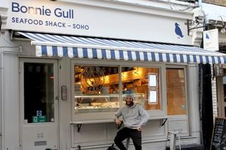 Der Autor vor Bonnie Gull's Seafood Shack