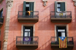 Balconing-Barcelona-Tourists-8-of-8