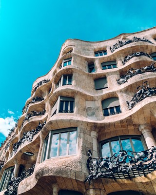 Balconing-Barcelona-Tourists-4-of-8