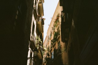 Balconing-Barcelona-Tourists-6-of-8