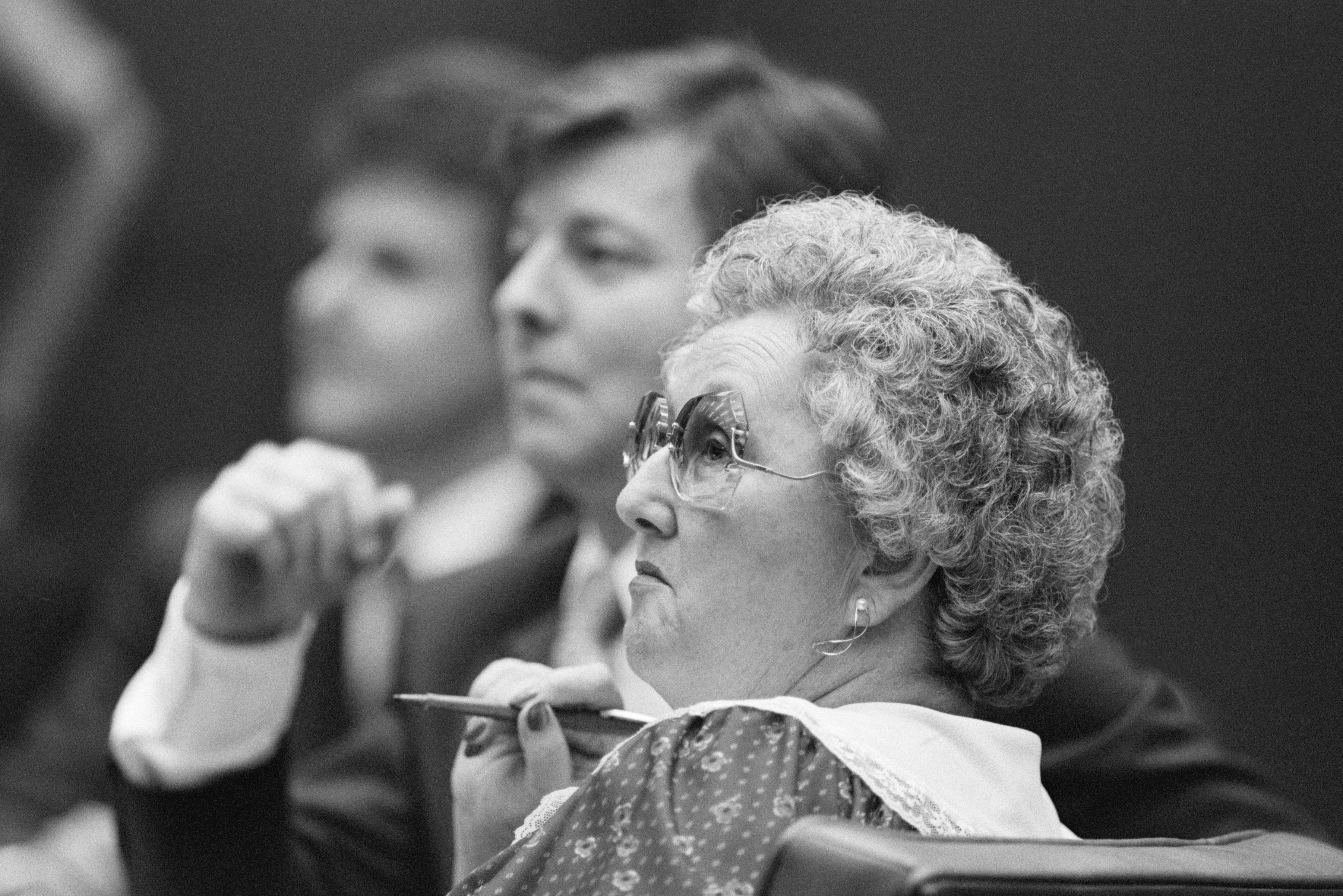 Peggy McMartin Buckey and her son Ray Buckey on trial in 1987.