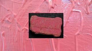 1542362902294-ecstasy-pille-rosa-heineken