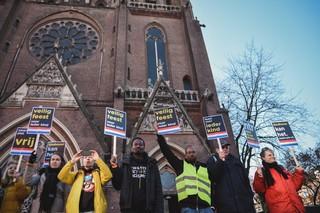 Demonstranten tijdens de Intocht van Sinterklaas in Eindhoven 2018