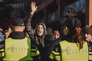 Pro-pietdemonstranten tijdens de Intocht van Sinterklaas in Eindhoven 2018